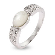 Modern Style Mother of Pearl Sterling Silver Ring