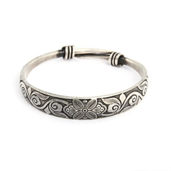 Etched Botanical Garden Bali Bangle Bracelet