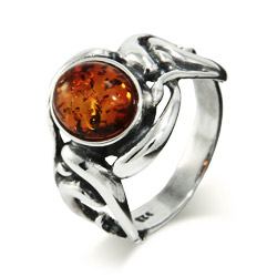 Vintage Style Oval Cut Baltic Amber Silver Ring