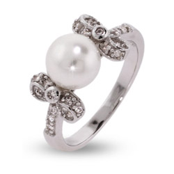 Pretty Freshwater Pearl Ring with CZ Bows