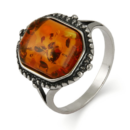 Old Fashioned Style Sterling Silver Baltic Amber Ring