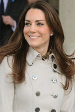 A stylish trench coat and some Princess Cut Crown Set Studs and this Kate Middleton outfit is instantly chic. Get the look for less at Eve's Addiction!