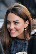 It�s easy to ad sparkle to any look just like Kate did with these dazzling fishhook pave earrings. Get your sparkling earrings at Evesaddiction!