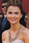 Keri Russell embraces her classy and sophisticated side with a layered circle link necklace.