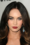 Megan Fox is gorgeous! Look at the new mom on the red carpet wearing a fabulour pair of aqua earrings.